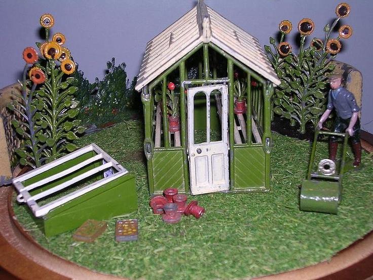 Britains Garden Figures In Lead Britains Floral Plastic