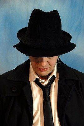 """Luciano """"Varnadi"""" Ceriello, poeta onirico e cantautore visionario http://www.la25aora.it/home/luciano-varnadi-ceriello-poeta-onirico-e-cantautore-visionario/"""