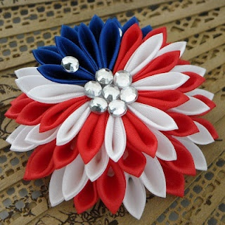 Kanzashi tutorial (perfect for the fourth!)