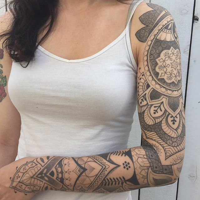 Got some pics of Chelsea's healed sleeve today. Also I'll be at the shop taking consults tomorrow from 11-2pm, feel free to swing by, thank you!