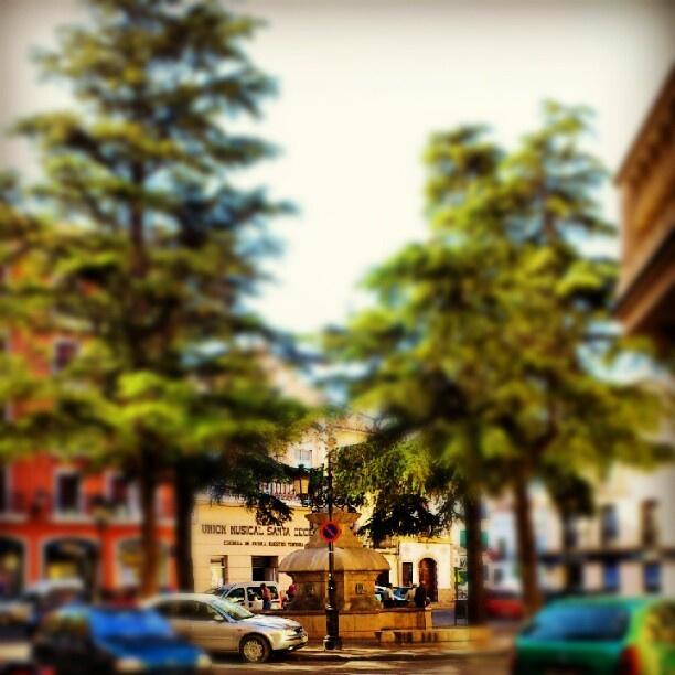 """@albertogargar's photo: """"La plaza de la fuente #fotoenguera"""""""