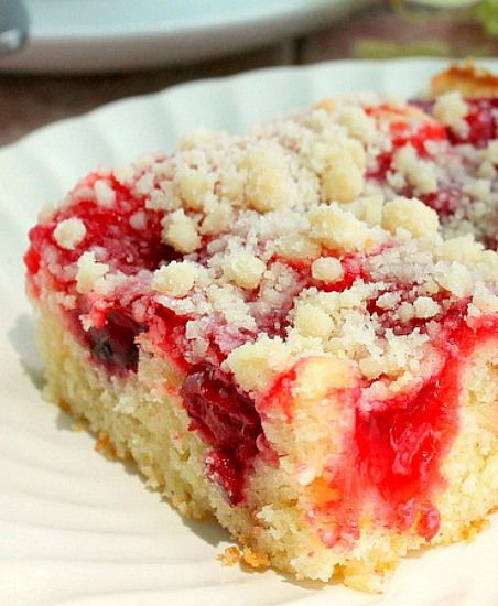Cherry Crumb Coffee Cake ~This looks like what my Granny used to make! GOT TO TRY this one!~