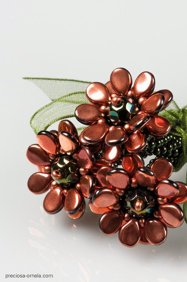 Kerrie Slade My work with the new Preciosa Pip™ beads. Pip Posy! http://kerrieslade.blogspot.co.uk/2014/07/the-pip-collection.html