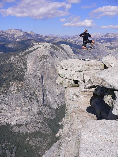 USA - Hiking - Yosemite NP (California) - Because Yosemite is so huge, it's easier to go over the different areas that are popular for hiking instead of individual trails. http://www.pinterest.com/halinalis/breathtaking-view/