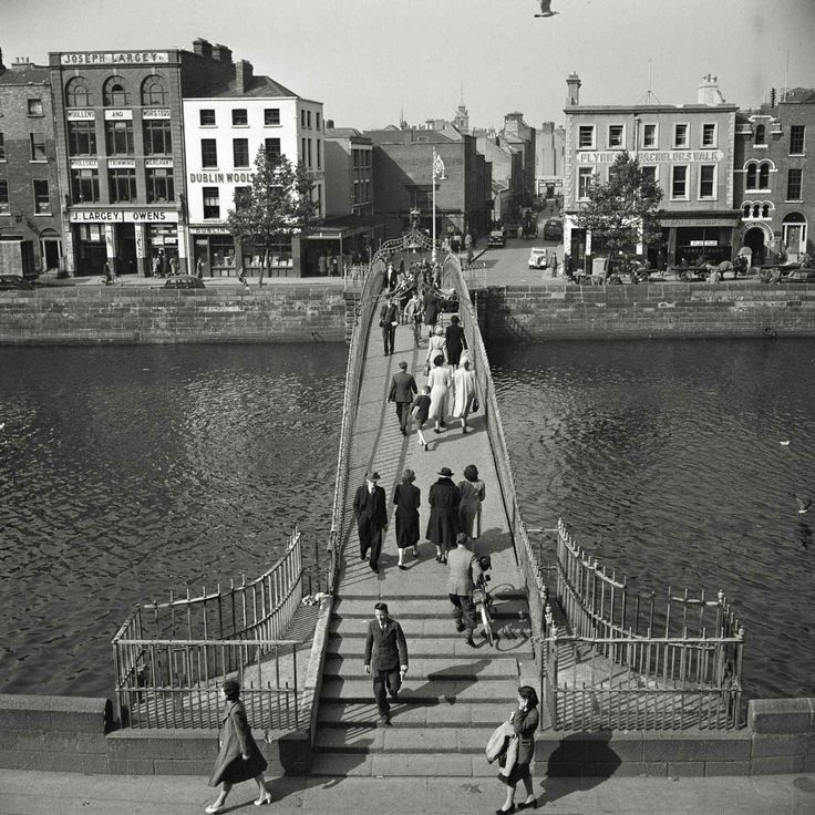 The Halfpenny Bridge over the River Liffey. Dublin, Ireland. 1949