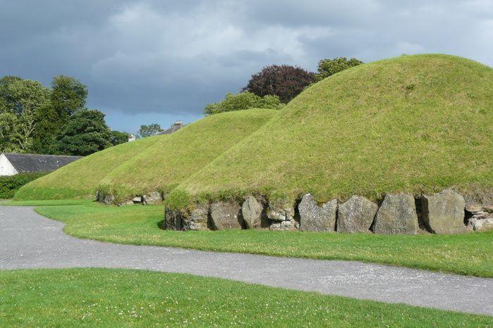 Die historische Grabstätte Newgrange in Irland