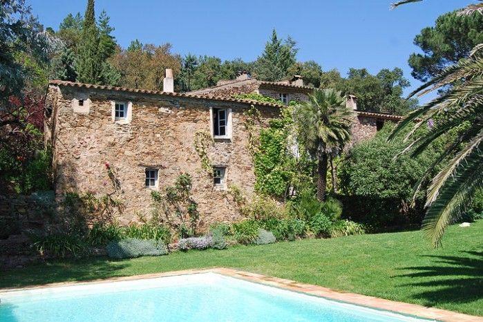 A #stonehome in the #StTropez region of France. http://www.qualityvillas.com/st-tropez-var/la-garde-freinet/coin-ensoleille