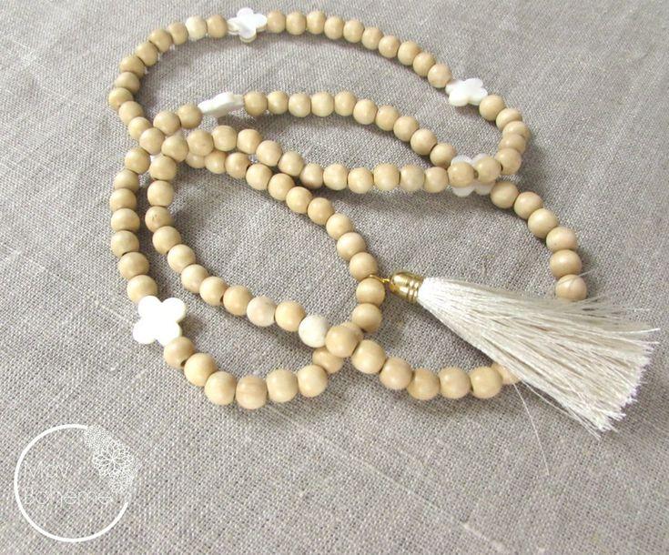 17 meilleures idéesà propos de Colliers De Perles En Bois sur Pinterest Diy collier, Bijoux  # Collier En Bois Femme