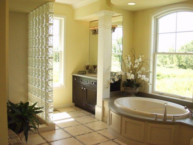 626 best Blocks de vidrio images on Pinterest | Bathroom, Bathroom ...