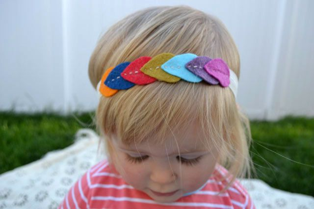 Hooray!! an alternative to those huge fake flowers. Leaf Garland Headband