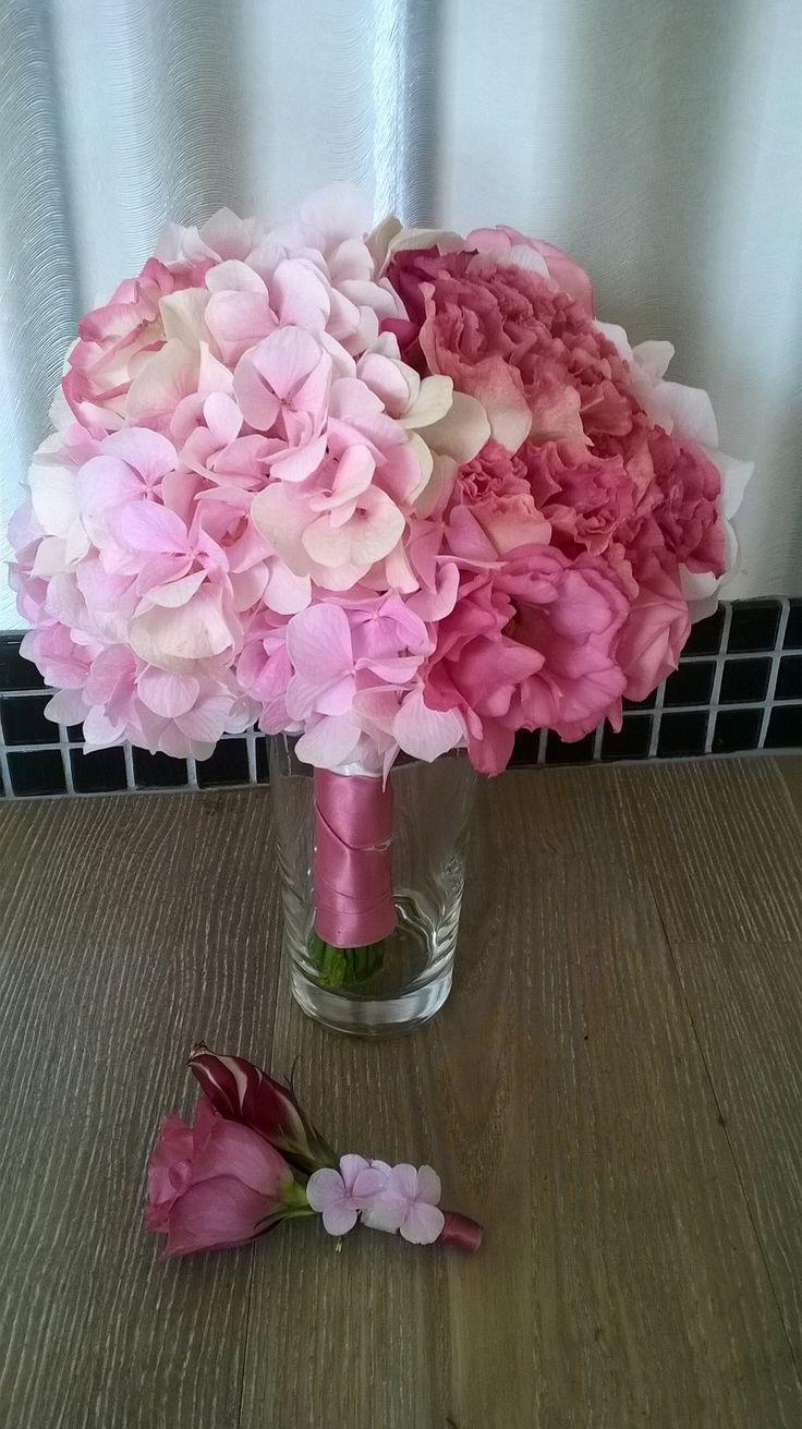 Brautstrauß-Hortensien-und-Lisianthus