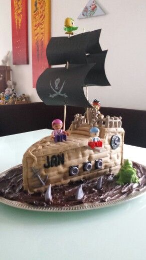Piratenschiff im Schokomeer