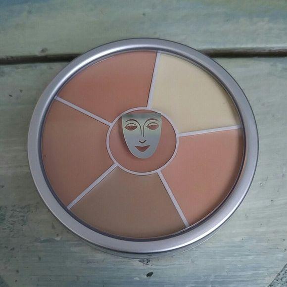 KRYOLAN Concealer Circle - No. 1 **NO TRADES** Kryolan Cosmetics Concealer Circle - No.1 For concealing and contouring NEW UNUSED Kryolan Makeup Concealer