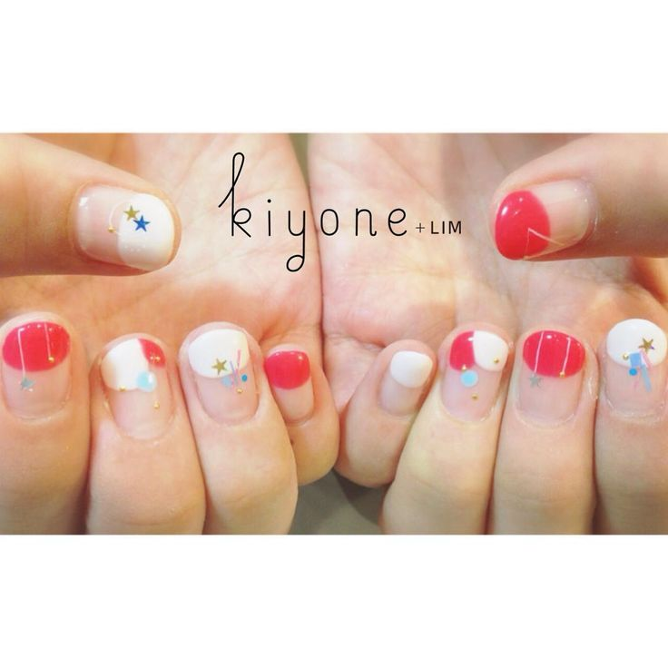 "kiyone+LIM on Instagram: ""National day nailsSG50 Sr.manicurist ::: NATASUMI ・ Appointment by FBmessage is also available!! Please feel free to contact us:) ・ #kiyonelim #nail #nailart #natsuminail #singapore #nationalday #ネイル"""