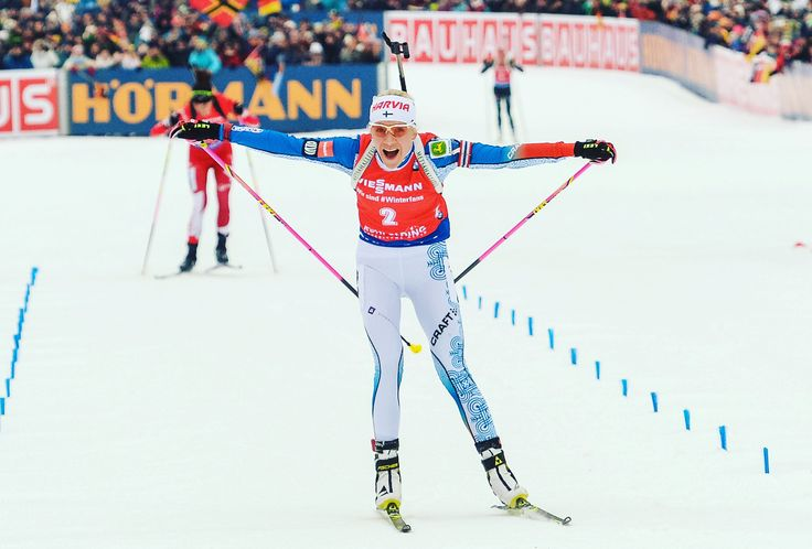 "Gefällt 207 Mal, 3 Kommentare - Kaisa Mäkäräinen (@kaisamakarainen) auf Instagram: ""What a race! Danke Schön Ruhpolding! 💥🙏🏼😍 #sprintfinish #25000fans #ruh18 #chiemgauarena…"""
