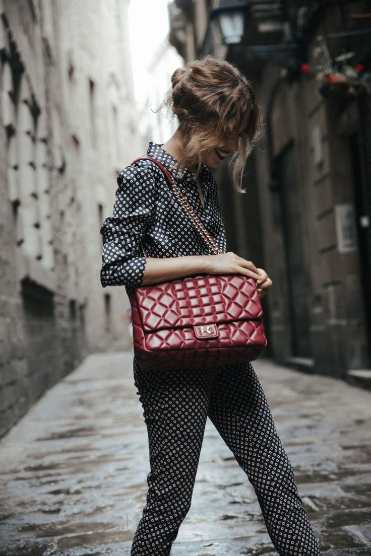 dansvogue purificacion-garcia-bolso-abrigo-rojo-zapato-chanel-barcelona-back-to-the-city-12-compressor