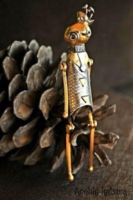 ΑΘΗΝΑ-ATHΙNΑ Sterling silver, hand forged and carved , a layer of black patina was applied to enhance the design,gilded bronze  details | myartshop