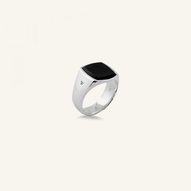 Tom Wood – The Cushion Onyx Ring – Black Onyx – Støy