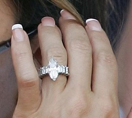 best 20 victoria beckham engagement ring ideas on pinterest pretty rings beautiful promise rings and small wedding rings