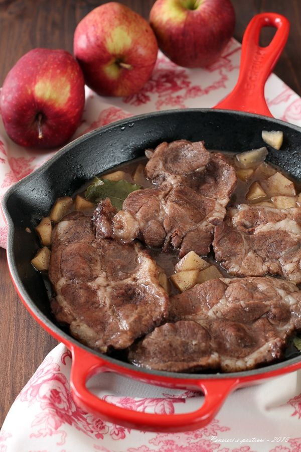 Bistecche di coppa di maiale alle mele, scalogno e cannella   pensieri e pasticci