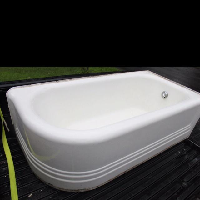 20 S Curved Corner Cast Iron Bath Tub Vintage Decor