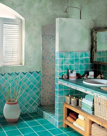 Bagno in ceramica sarda azzurra