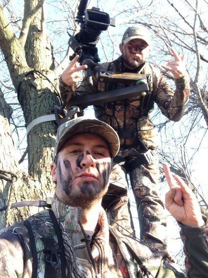 Luke Bryan hunting