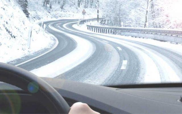Buoni consigli per la guida invernale...scopri di più Prima dell'arrivo della stagione fredda meglio mettersi al sicuro.. In questo articolo troverete dei buoni consigli per una guida sicura durante l'inverno. Pneumatici adeguati, attrezzatura per sup #gomme #invernali #neve #ghiaccio #cambio