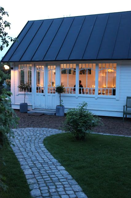 THE VILLA VITA : garden pavillion for summer evenings