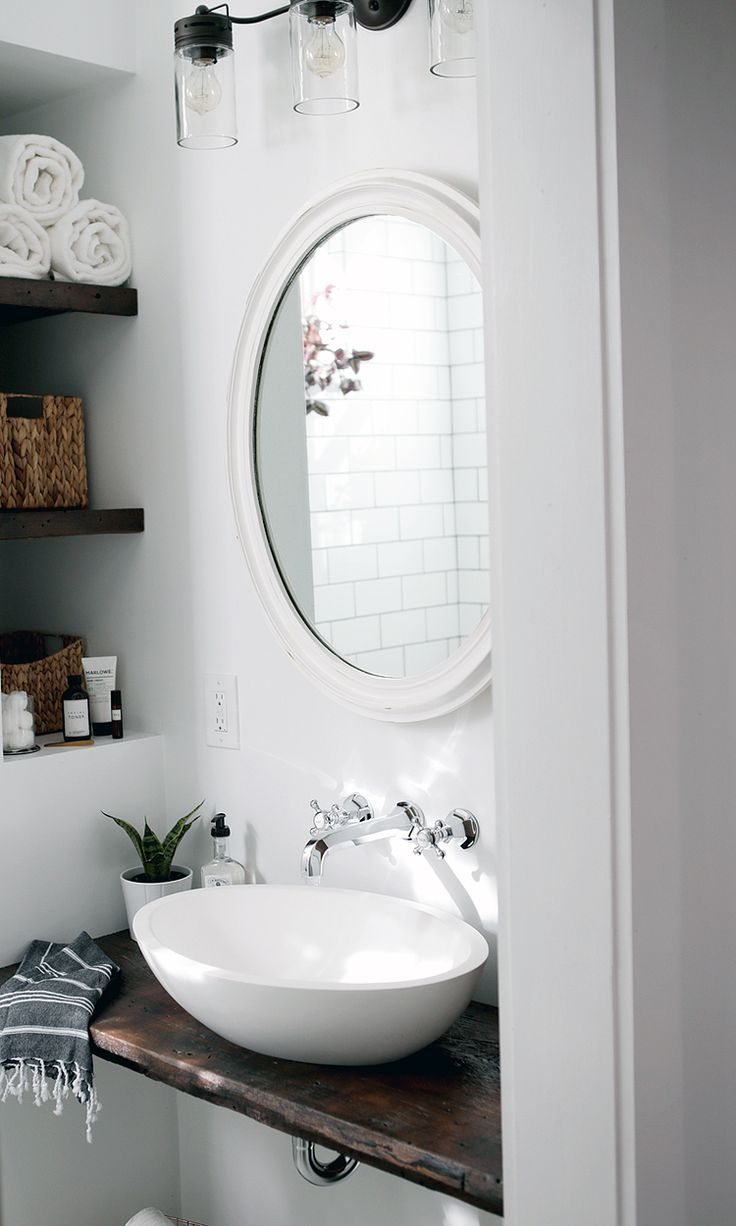Old house bathroom remodel - Beautiful Farmhouse Bathroom Remodel From Small Closet