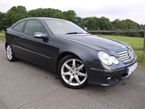 used Mercedes C180 KOMPRESSOR SE SPORTS in surrey