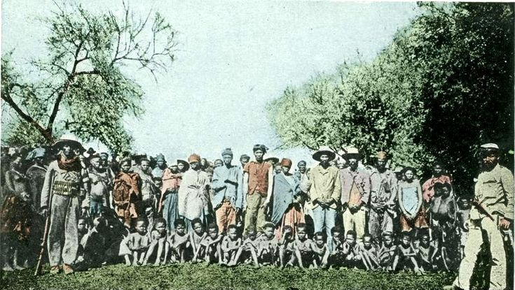 Herero prisoners of war in 1904. File:Bundesarchiv Bild 146-2003-0005, Deutsch-Südwest-Afrika, Kriegsgefangene Herero.jpg