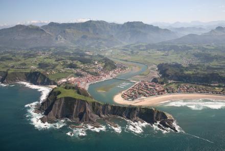 Ribadesella, la playa de los Picos de Europa