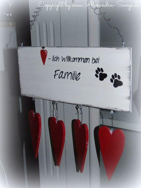 Türschild Familienschild mit Herzen von Handgemachte Holzarbeiten & dekorative Geschenke by Alexandra Sangs auf DaWanda.com
