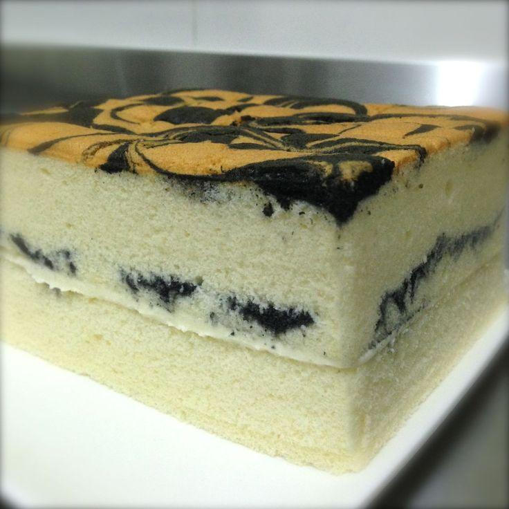 Vanilla Ogura Sponge Cake with Cream Cheese Filling