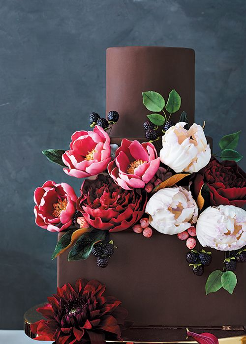 The Sweetest Botanicals: Sugar Flower Wedding Cakes   Brides.com