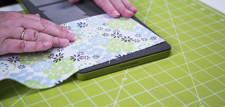 how to cut fabric strips with rotary cutter