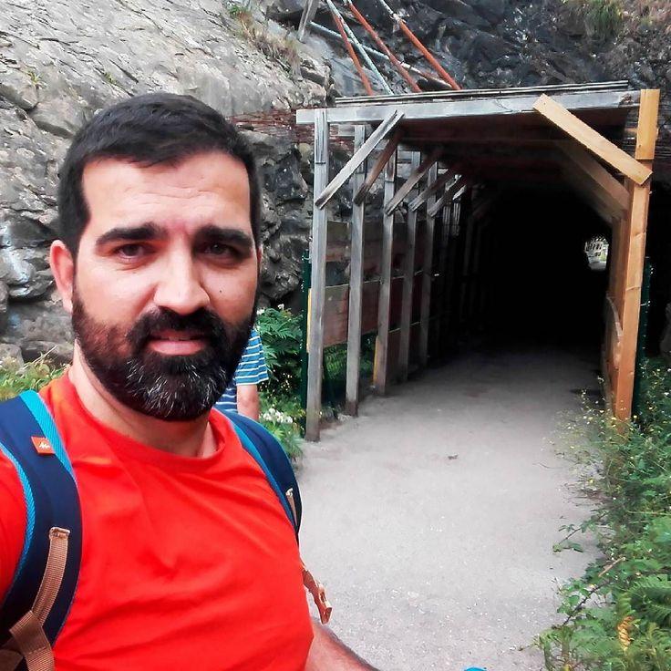 El túnel del tiempo! #Ontón #caminodesantiago #CaminoDelNorte