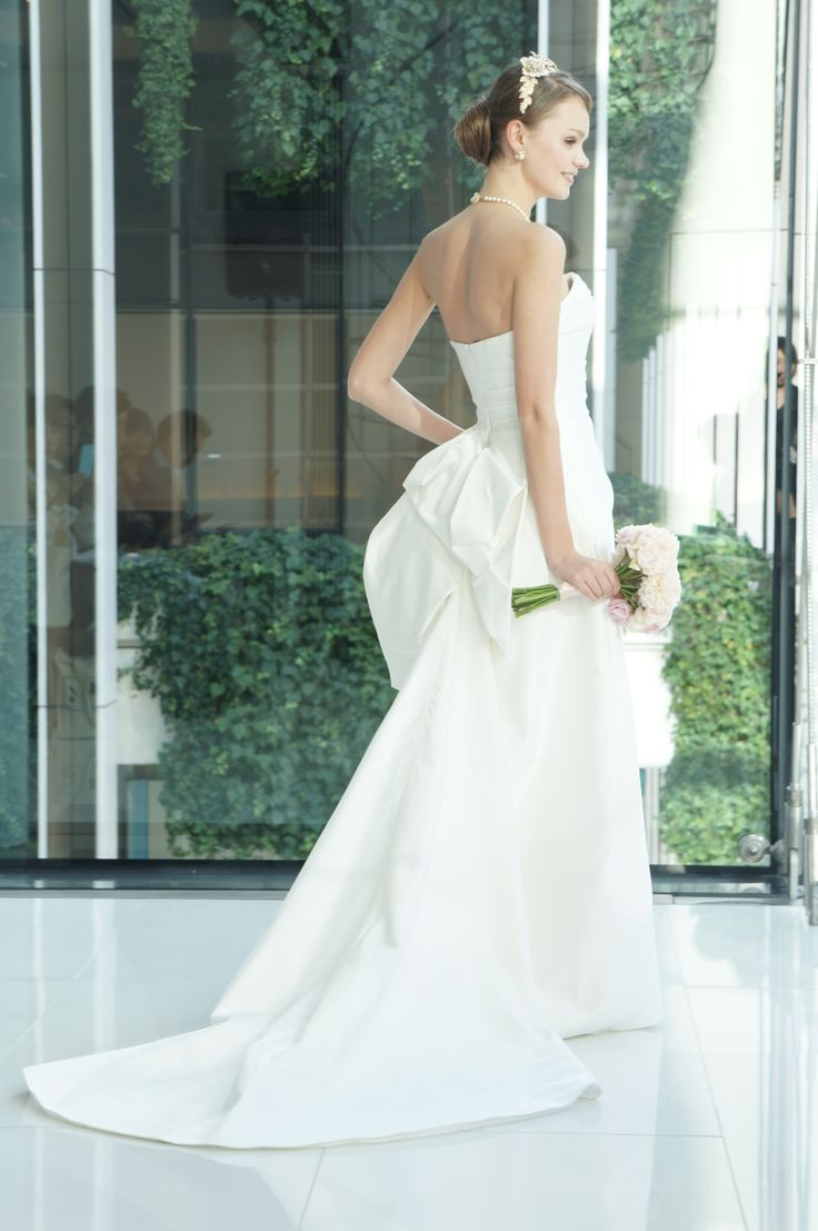 #press show #RUBIN SINGER #RS17807  #weddingdress #NOVARESE #wedding
