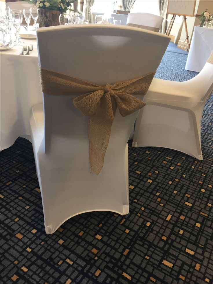 Hessian bows give a rustic feel