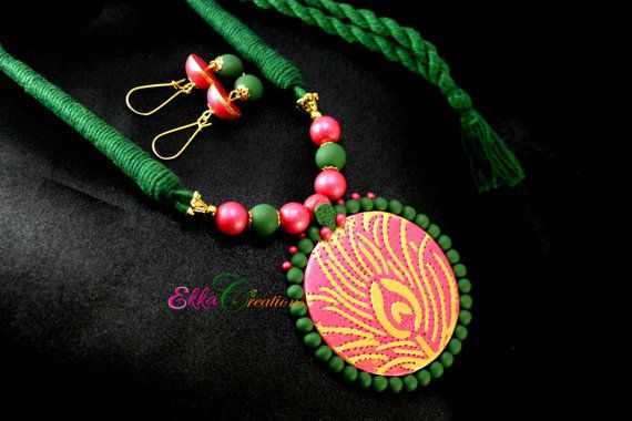 Magenta and green neckset/Peacock necklace/Terracotta Clay jewelry/Polymer clay neck set/thread necklace/Indian jewelry