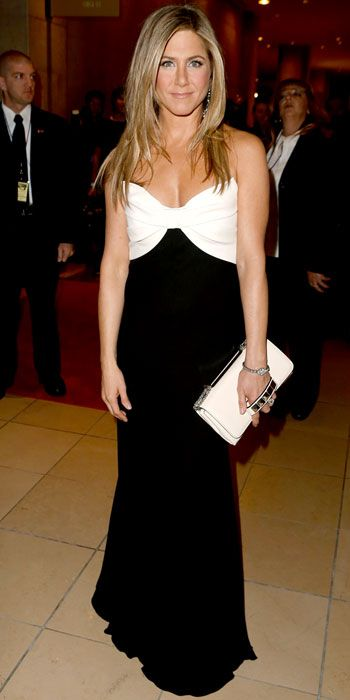 Jennifer Aniston walks the red carpet at the 26th American Cinematheque Award