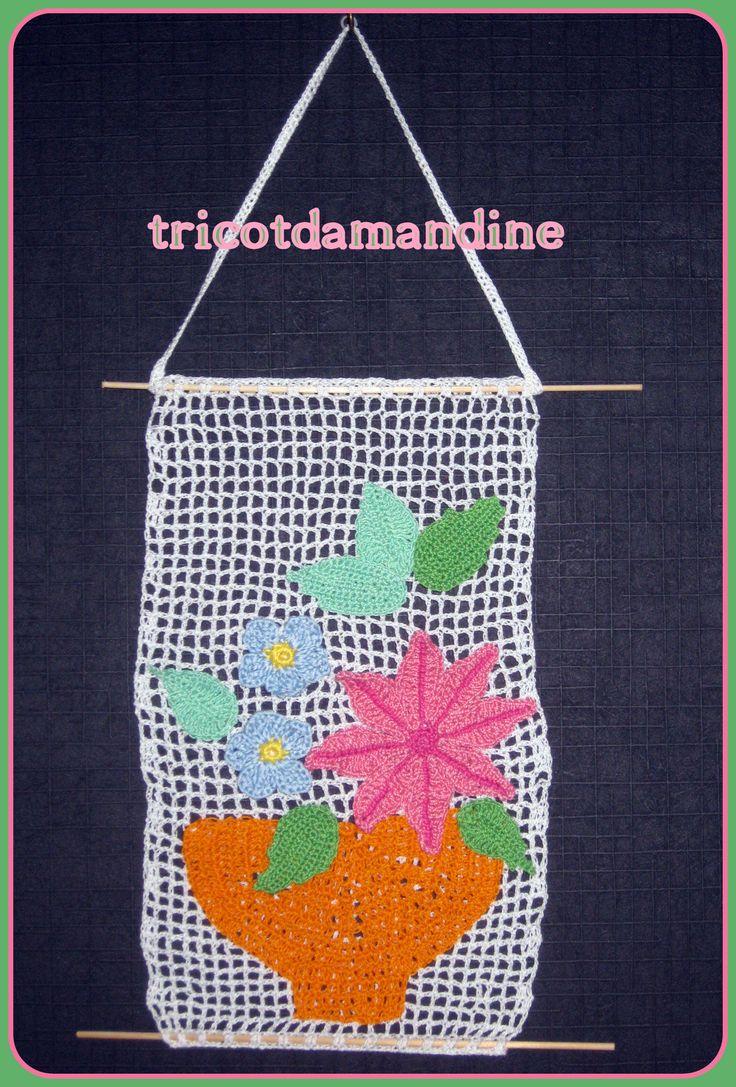 tableau crochet tuto : http://tricotdamandine.over-blog.com/2015/05/encore-des-fleurs.html