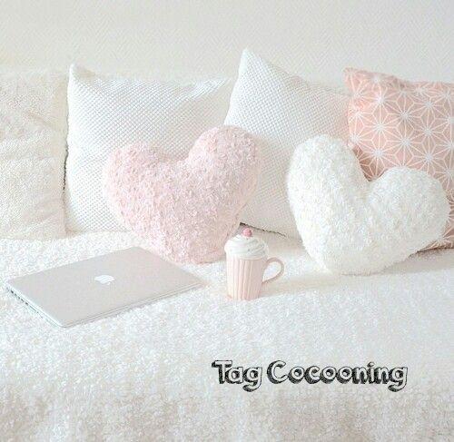 12 best un endroit juste pour nous images on pinterest bedroom ideas snuggles and sweet home. Black Bedroom Furniture Sets. Home Design Ideas