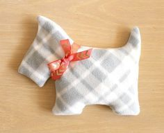 DIY Puppy Heating Pads to Give as Gifts