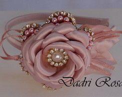 Tiaras De Luxo Pérolas e cetim rosê                              …