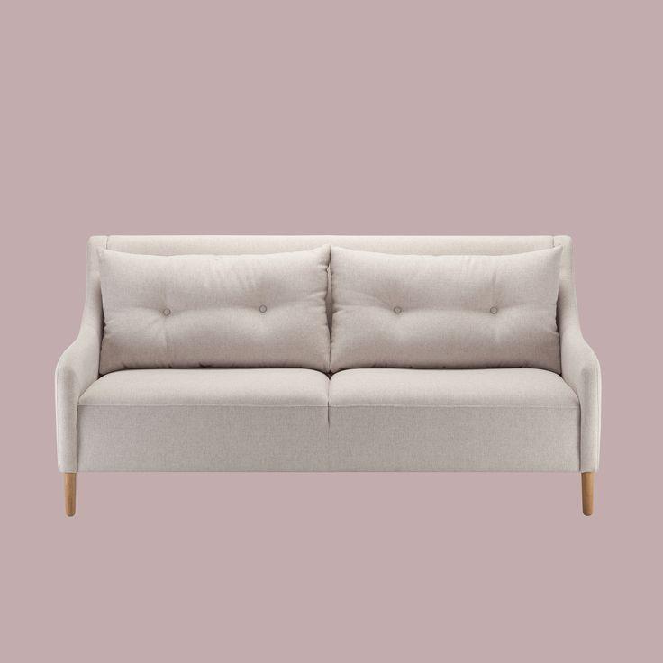 Keskipisteenä näyttävät selkätyynyt Malli: Jenson Vaihtoehdot: 3-istuttava sohva ja vuodesohva, tuoli Jälleenmyynti: Valikoidut jälleenmyyjät kautta maan  #pohjanmaan #pohjanmaankaluste #käsintehty