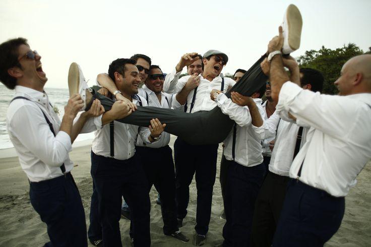 Groomman photos - beach wedding - boda en la playa - fotos de padrinos