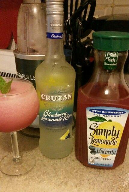 Delicious Cruzan blueberry lemonade rum with Simply lemonade with blueberry. Ahhhh refreshing!