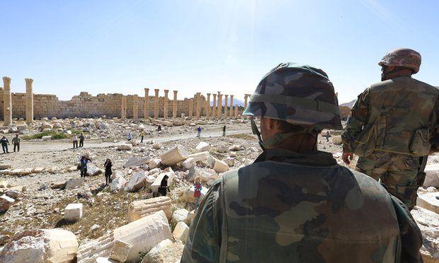 Μαζικούς τάφους στην Παλμύρα ανακάλυψε ο συριακός στρατός